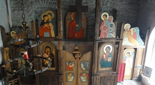 Carved out of a medieval arsenal, this tiny church dedicated to the icon of the Three-Handed Mother of God has a beautifully rustic iconostasis.
